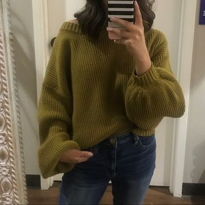 Bubbly Knit sweater// used once .